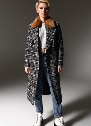 Клетчатое шерстяное пальто с меховым воротником зима осень весна