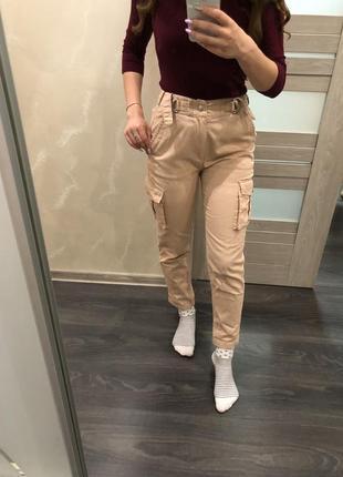 Трендовые брюки карго от primark