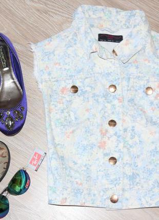 Крутая джинсовая, цветочная жилетка. очень много вещей в наличии+скидки, заходите!