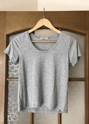 Серая базовая футболка stradivarius