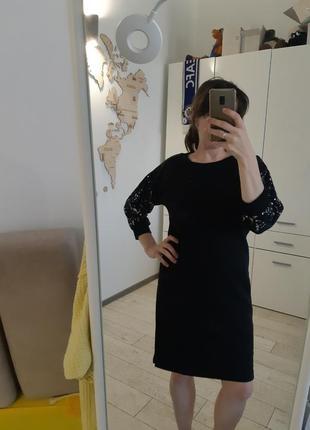 Черное теплое платье reserved с серебристыми рукавами 3/4