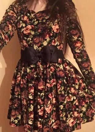 Шикарное, пышное, вечернее цветастое платье!!!