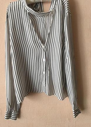 Нежная блуза zara с вырезом на спинке