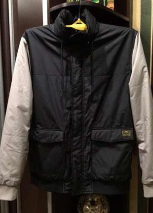 Шикарная куртка nike оригинал 100%