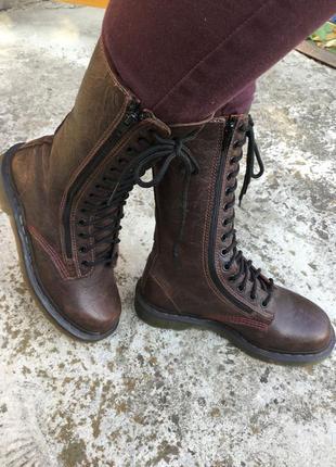 Грубые ботинки со шнурками
