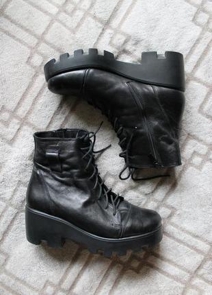 Демисезонные грубые ботинки