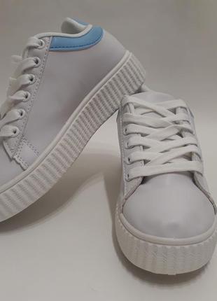 Женские кроссовки (кеды, слипоны, криперы) есть размера, наложка