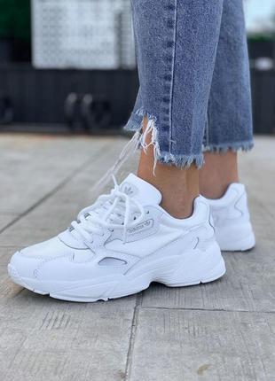 Полностью белые женские кроссовки adidas falcone (36-41)💜