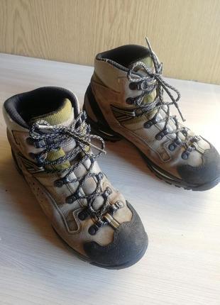 Трекинговые ботинки женские
