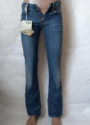 Фирменные mustang мега качественные и крутые джинсы с котонна в синем, размер 25