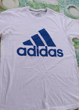 Бклая футболка адидас