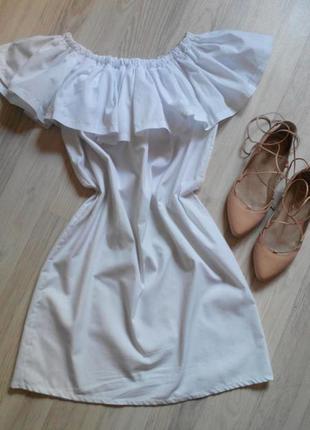 Актуальное летнее платье с воланом.