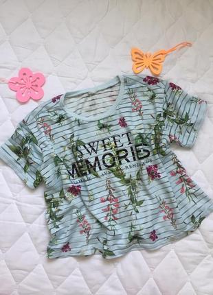 Классная укороченная футболка в цветы, кроп топ s\м