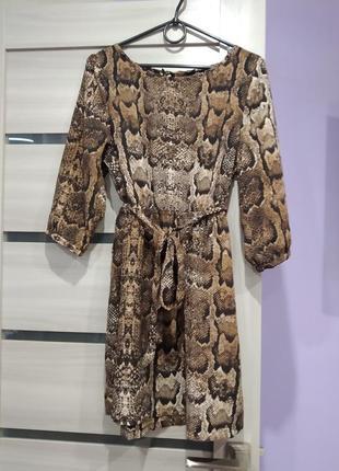 Модное платье h&m в анималистический принт рептилии