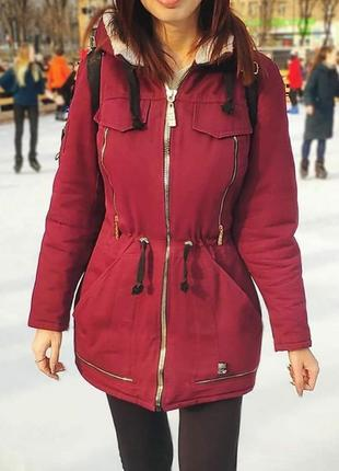 Парка куртка цвета марсала, бордо