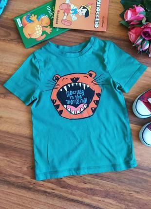Яркая трикотажная футболка с рисунком george на 4-5 лет.