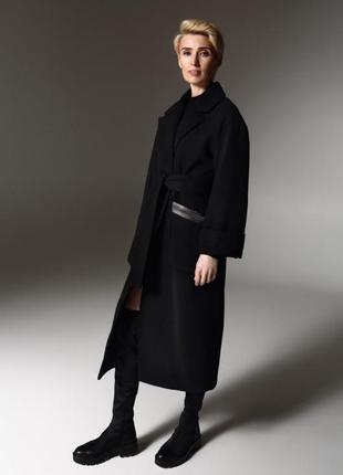 Шерстяное пальто с декорированными карманами