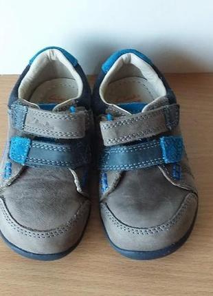 Кожаные кроссовки clarks 21 р. по стельке 13,5 см