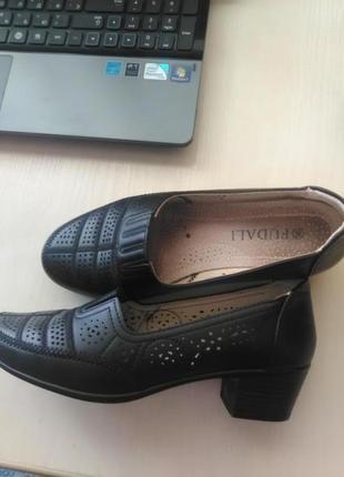 Шикарные туфли на устойчивом каблуке