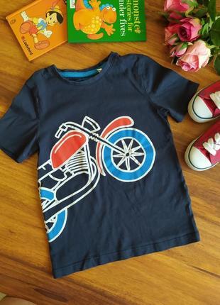 Классная трикотажная футболка с принтом palomino на 6-7 лет.