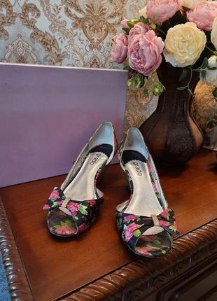 Элегантные туфли grado, танкетка, цветочный принт
