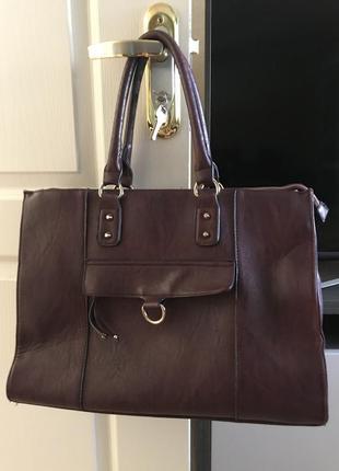Дуже стильна велика сумка на всі випадки життя