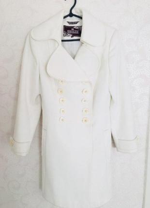 Біле осіннє пальто xs. шерсть.