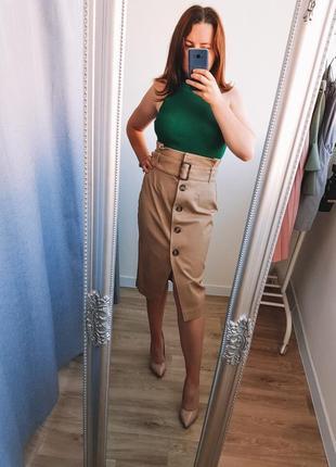 Трендовая юбка миди с шикарным вырезом
