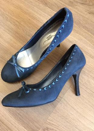 Оригинальные замшевые туфли!!