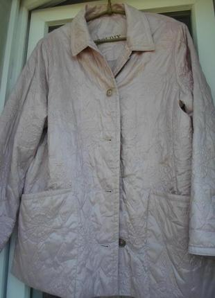 Красивая куртка цвета розовой пудры 52-54р.австрия