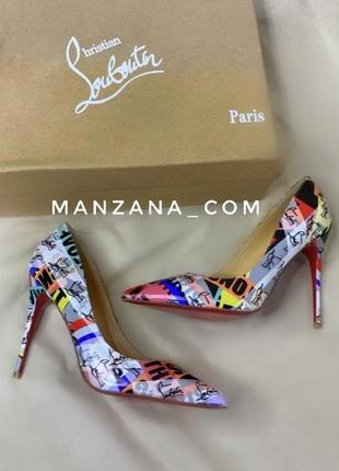 Туфли с надписями