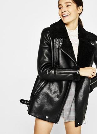 Дубленка косуха чёрная bershka бершка удлинённая кожанка кожанная байкерская куртка
