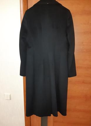 Пальто фирмы max mara.