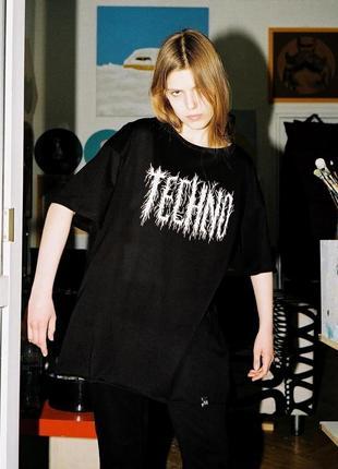 Оверсайз футболка «techno» от украинского бренда metrique2 фото