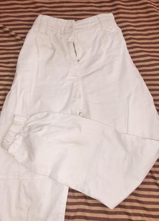 Белые штаны джоггеры
