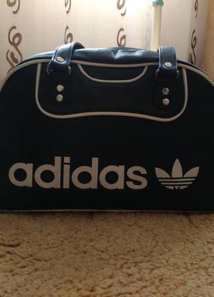 Продам спортивную сумку adidas