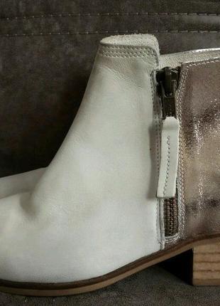 Ботинки новые оригинал нат/ кожа италия 37,38,39,40размеры