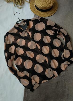 Элегантная блузка в крупный горошек