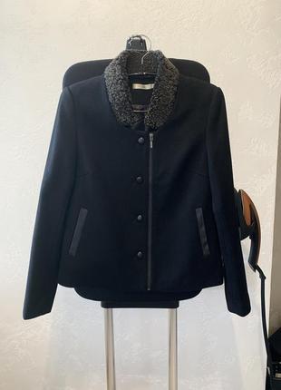 Очень стильное шерстяное пальто see u soon!