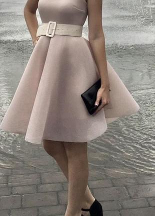 Платье пудрового цвета