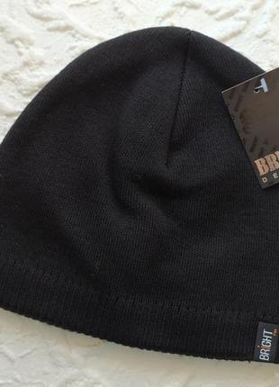 Черная шапка на флисе