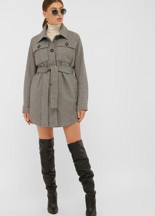 Интересная модель в рубашечном стиле пальто теплое шерстяное