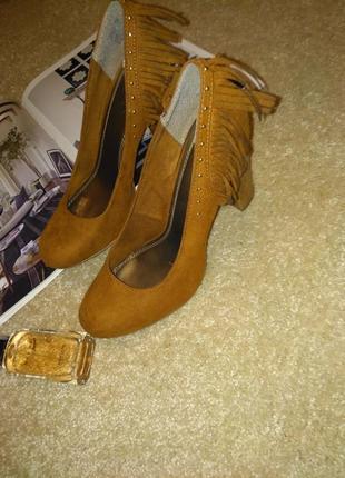 Трендовые необычные туфли6 фото