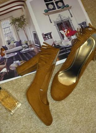 Трендовые необычные туфли8 фото