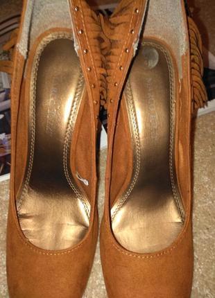 Трендовые необычные туфли9 фото