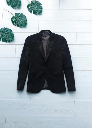 Мужской стильный черный пиджак h&m {slim fit} смокинг