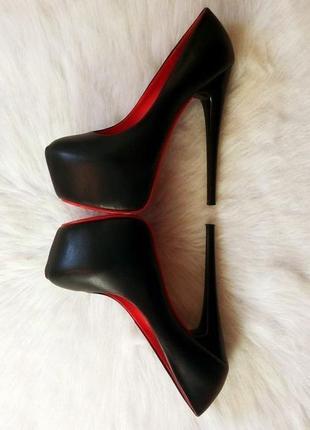 Черные кожаные туфли лодочки на высоком каблуке шпилька с красной подошвой