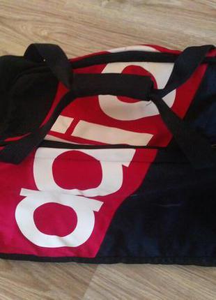 Дорожня спортивная сумка от adidas