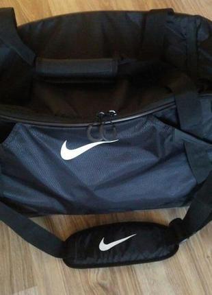 Дорожня спортивная сумка от nike