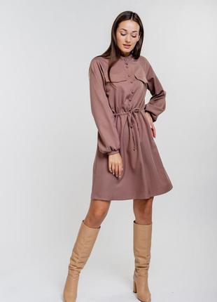 Короткое платье темно-кофейное с длинными рукавами-регланами и кулиской на талии